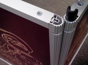 Алюминиевый профиль и система креплений рамочного стенда Fold-up